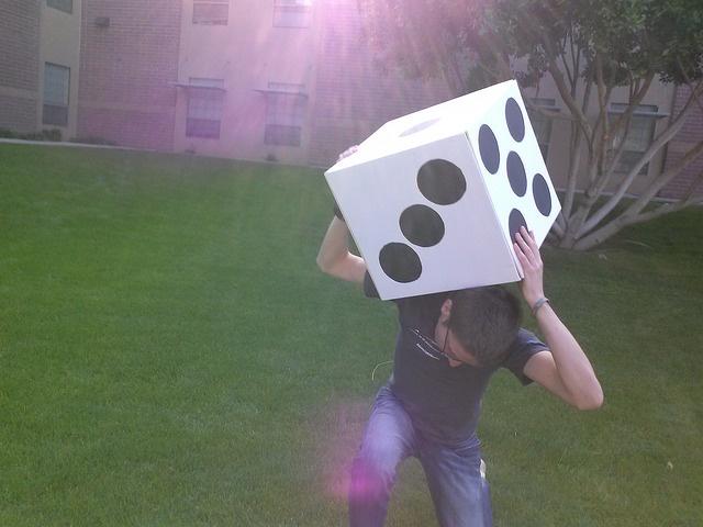 Large game dice